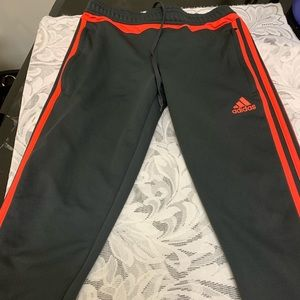 Women xs Adidas sweatpants.
